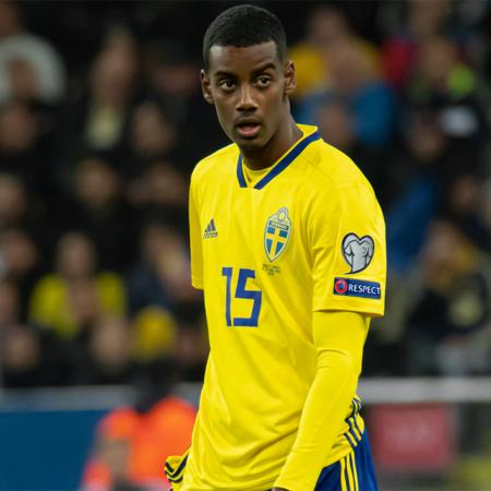 Sverige visade upp bättre spel mot Slovakien och lyckades ta deras första seger i EM