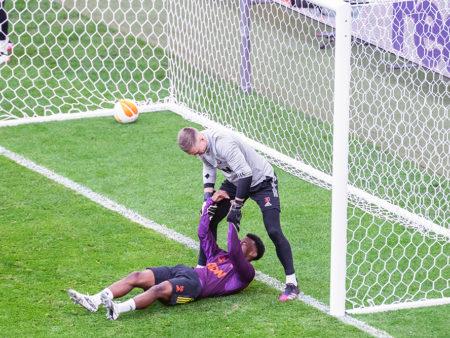 Anthony Elanga målskytt i vänskapsmatchen mot Brentford