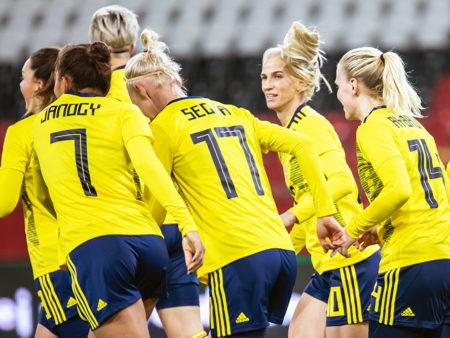 Svenska damlandslaget i fotboll klara för OS-final!